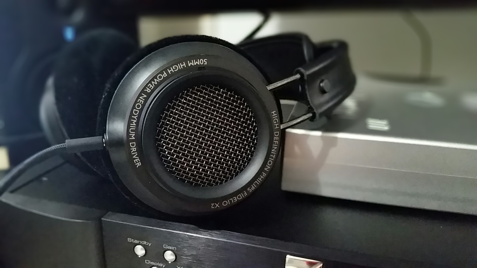 Headphone Review: Philips Fidelio X2