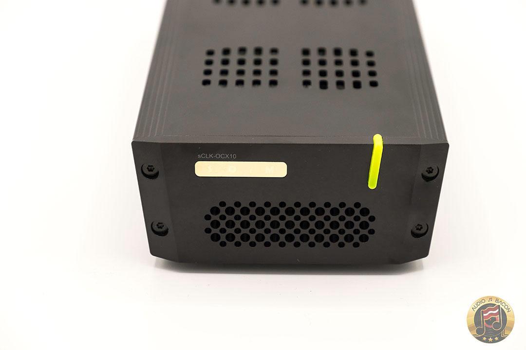 SOtM sCLK-OCX10 – A High Purity, 10 MHz Master Clock Generator